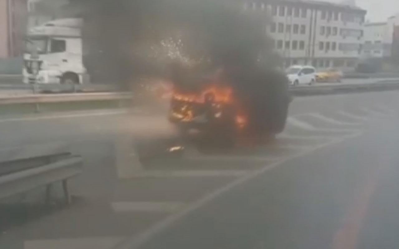 Avcılar Haramidere'de yanarak kayan araç korku saçtı o anlar kamerada