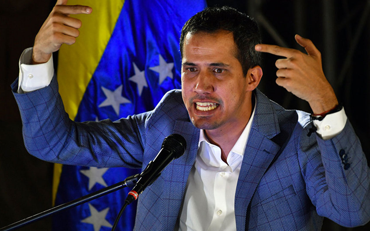 Venezuela'da muhalif lider Guaido 15 yıl boyunca kamu görevlerinden men edildi