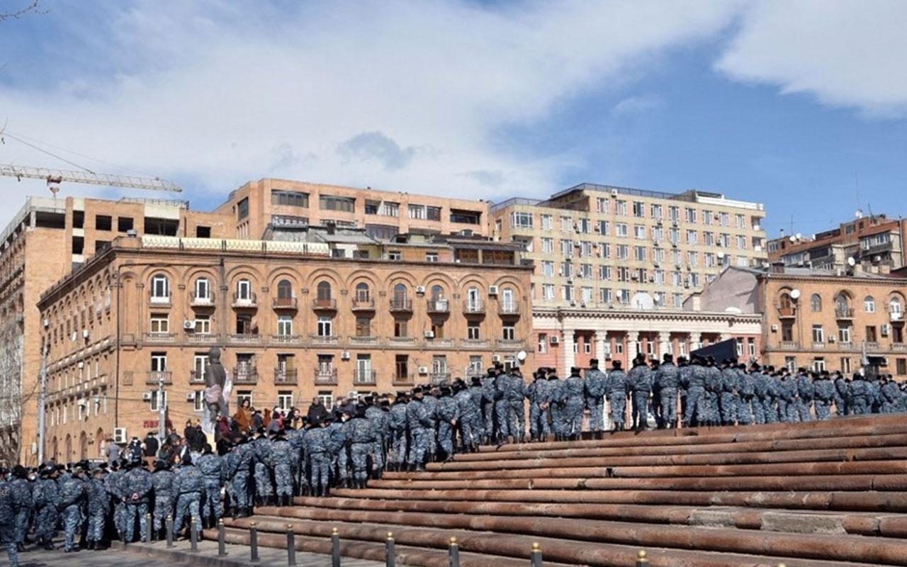 Son dakika Rusya'dan darbe muhtırası sonrası Ermenistan'a itidal çağrısı
