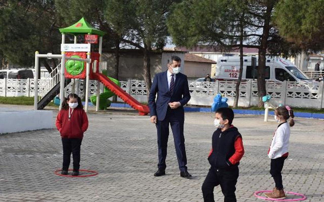 Milli Eğitim Bakanı Ziya Selçuk'tan flaş yüz yüze eğitim açıklaması! Riskli illerde valiler karar verecek