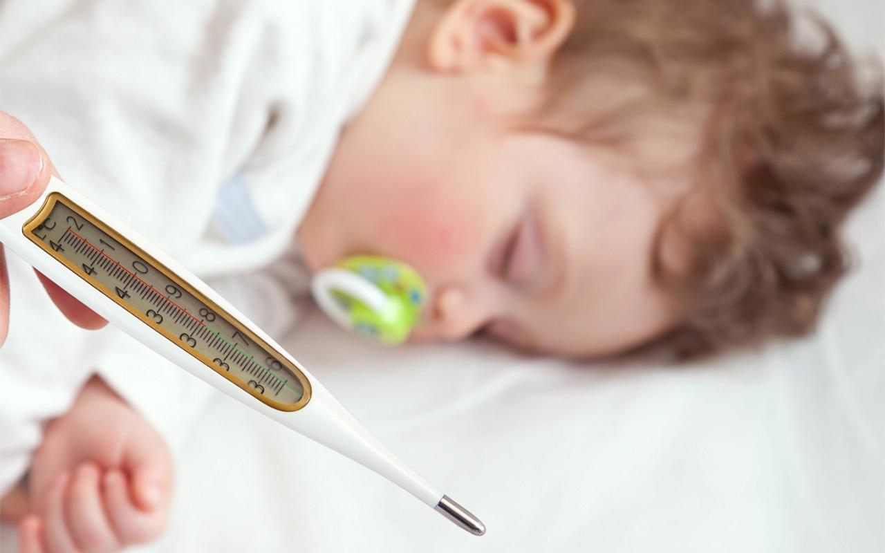 Bebeklerde ateş kaç derece olursa doktora gidilmeli bu belirtiler varsa doktora gidin
