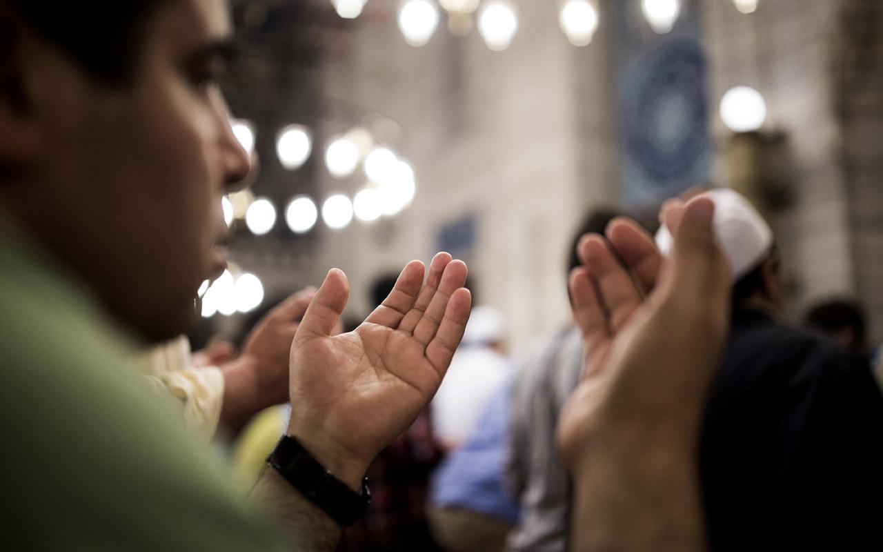 Recep ayının 15. günü hangisi  3 gün oruç tutmak gerekir mi?