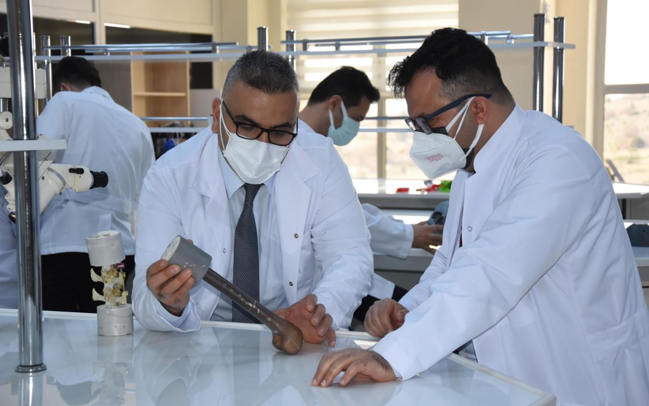 Dünyada bir ilki yaptılar! Kütahya'da Türk bilim insanlarından büyük başarı