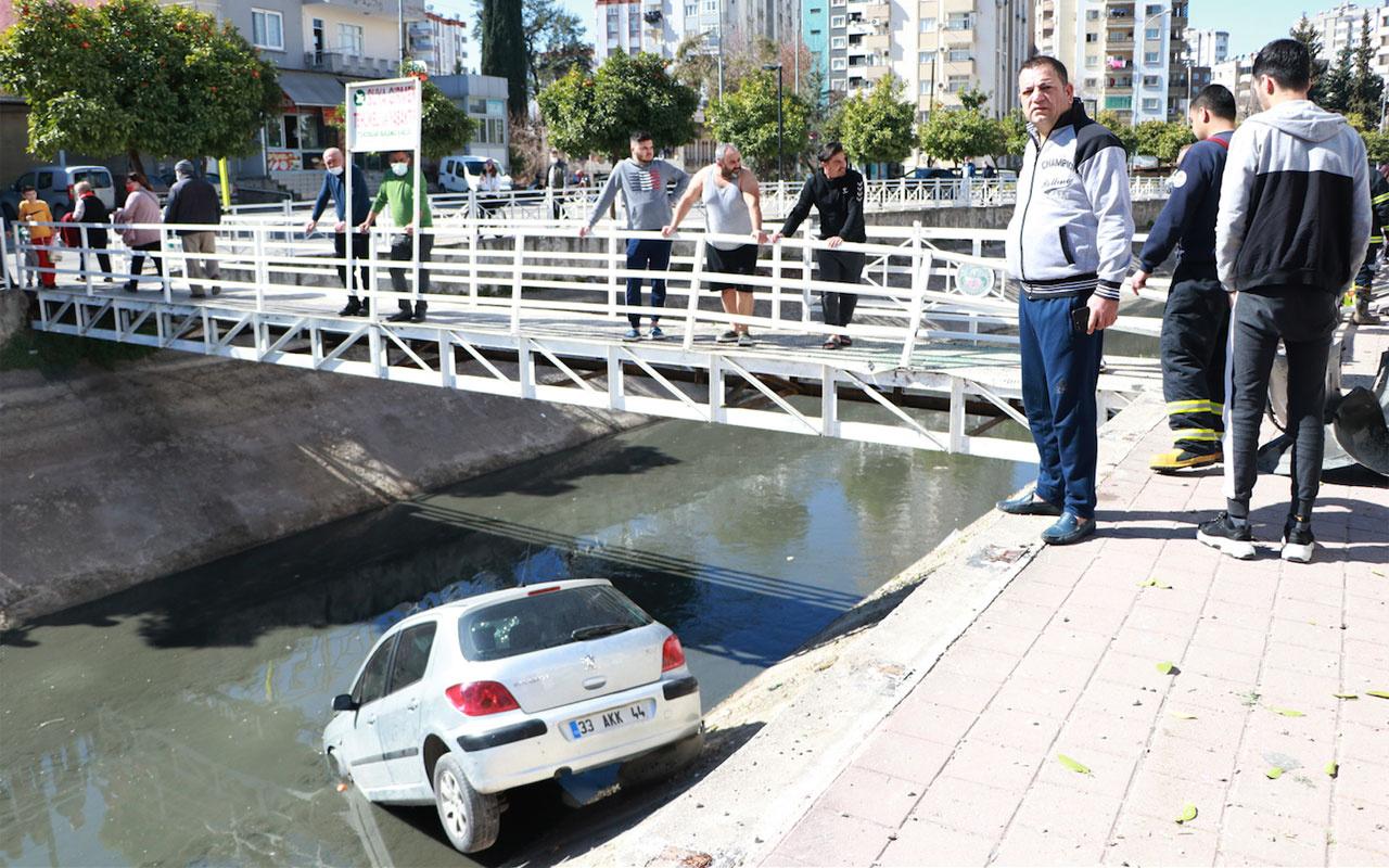 Adana'da genç kız otomobiliyle su kanalına uçtu