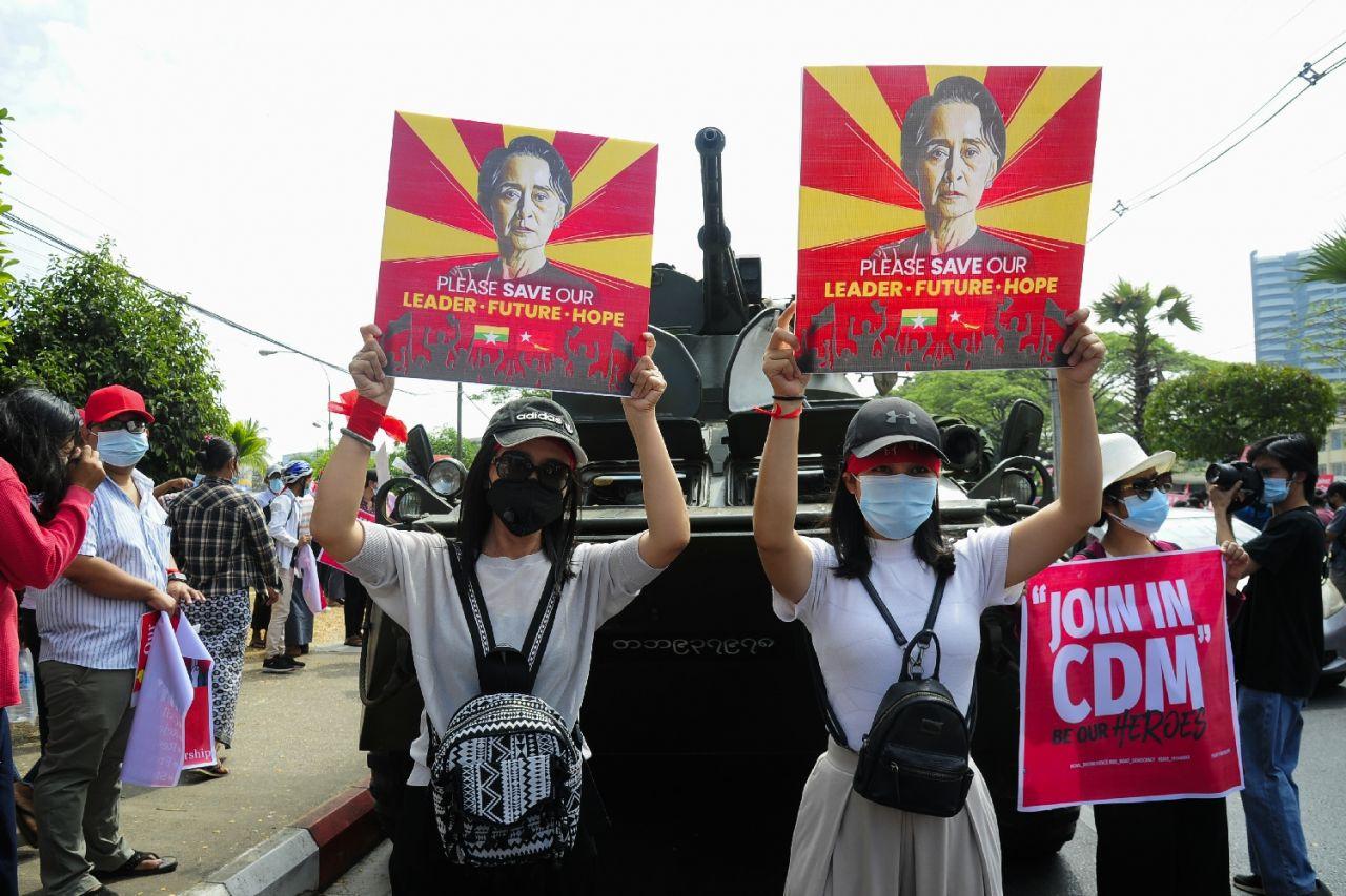 Darbe karşıtı gösterilerin sürdüğü Myanmar'da en kanlı gün