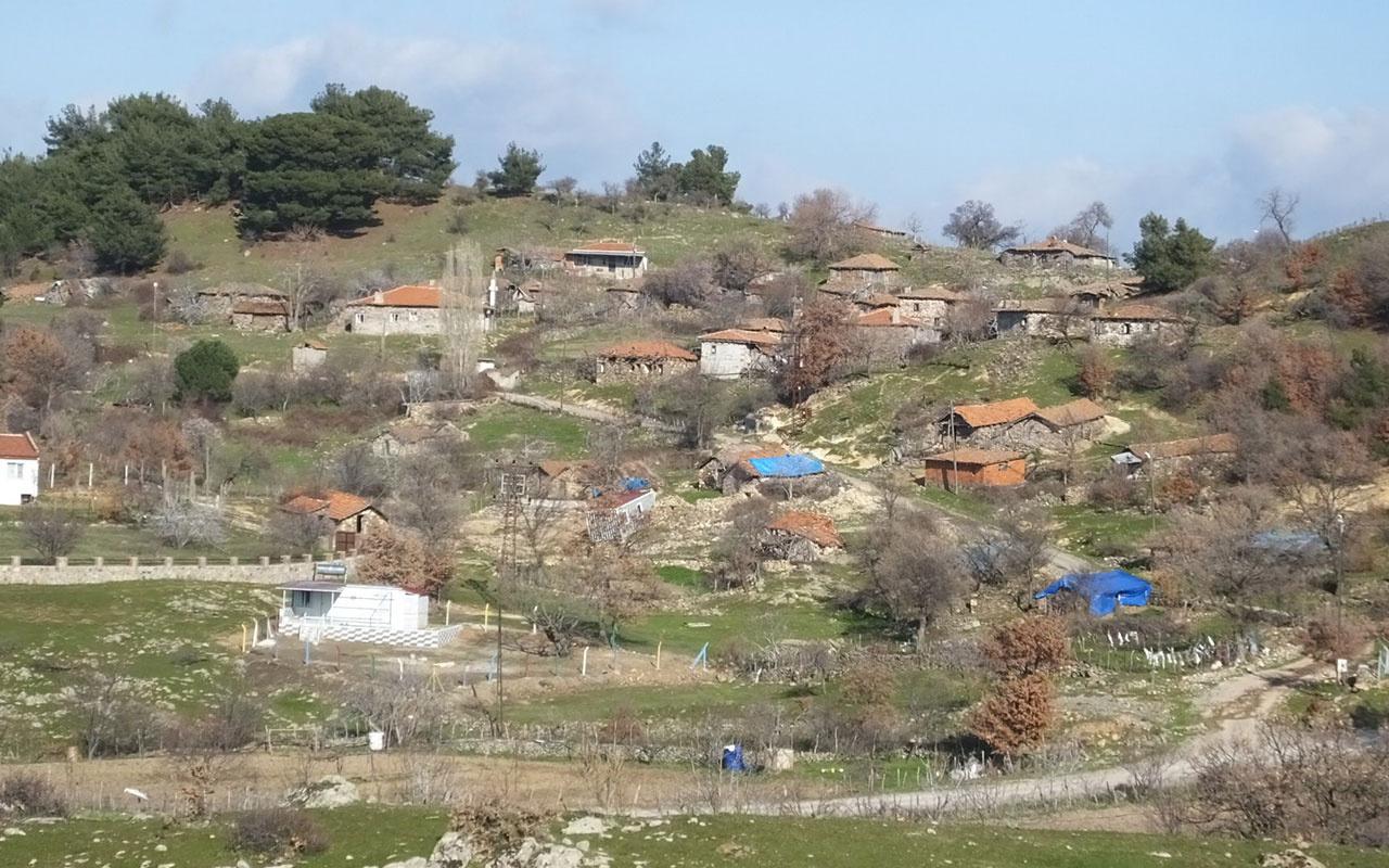 Balıkesir'in hayalet köyü! Sadece iki kişinin yaşadığı köy çöküyor