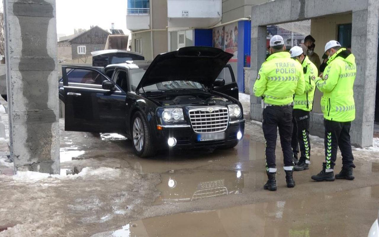 Sivas'ta lüks otomobile polis sireni cezası! Otoparka çekildi