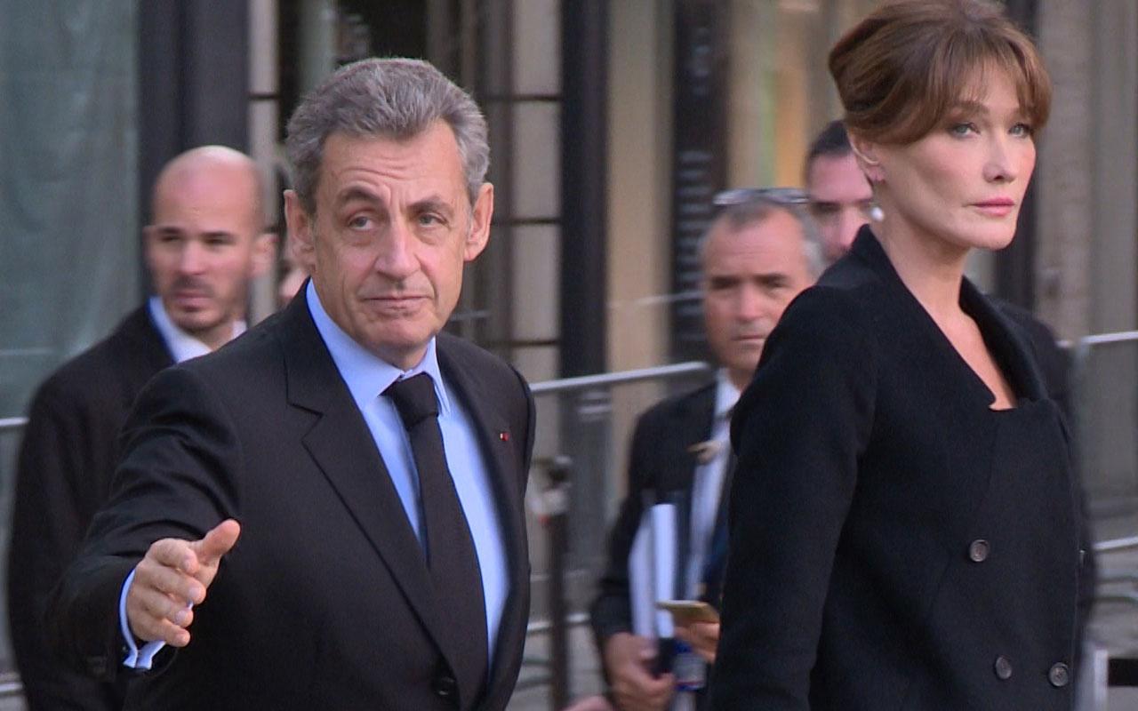 """Nicolas Sarkozy'e """"telekulak"""" davasında 3 yıl hapis cezası"""