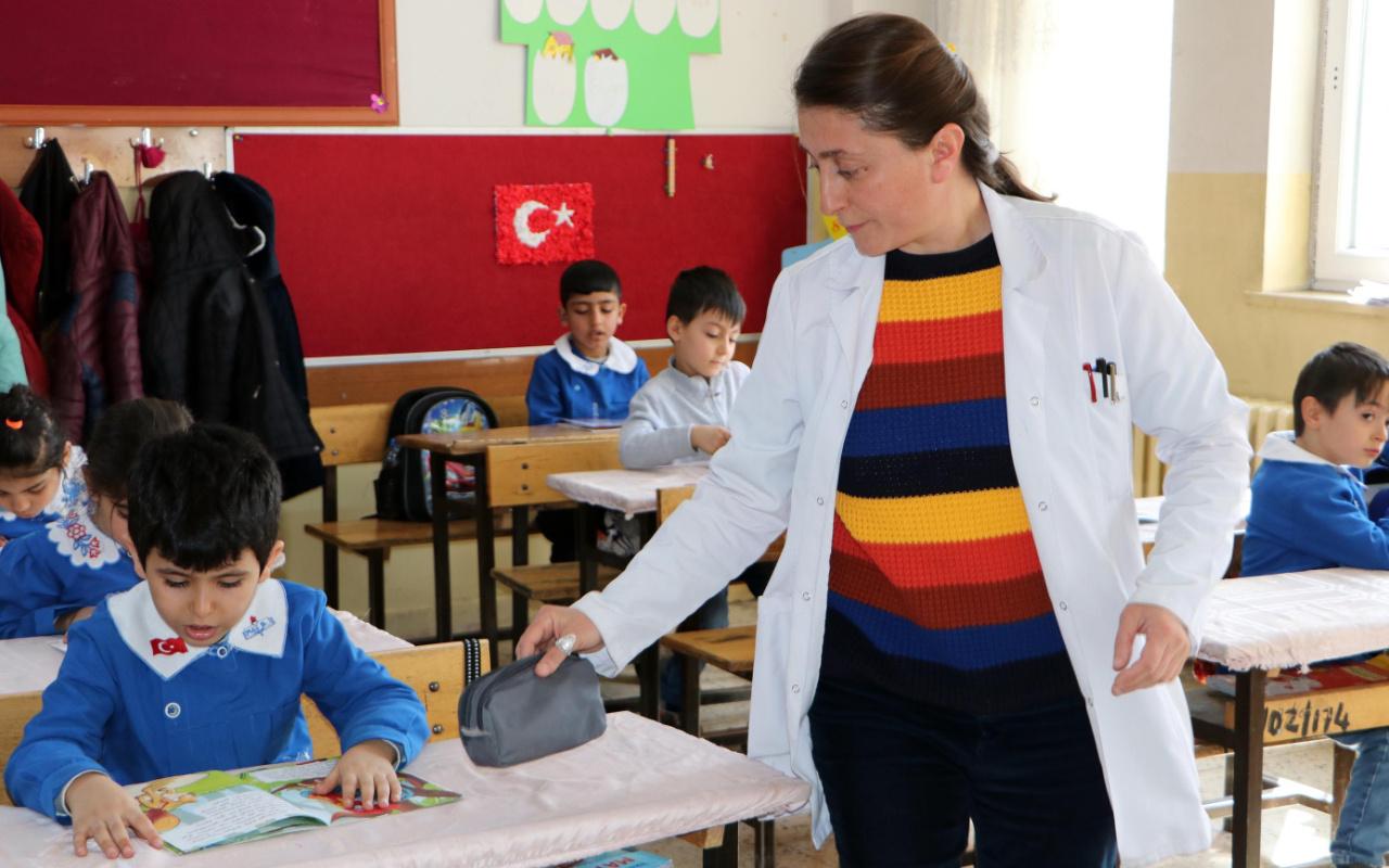 Erzurum'daki öğretmene dizilerden teklif yağıyor! Yaptıkları ağızları açık bıraktı