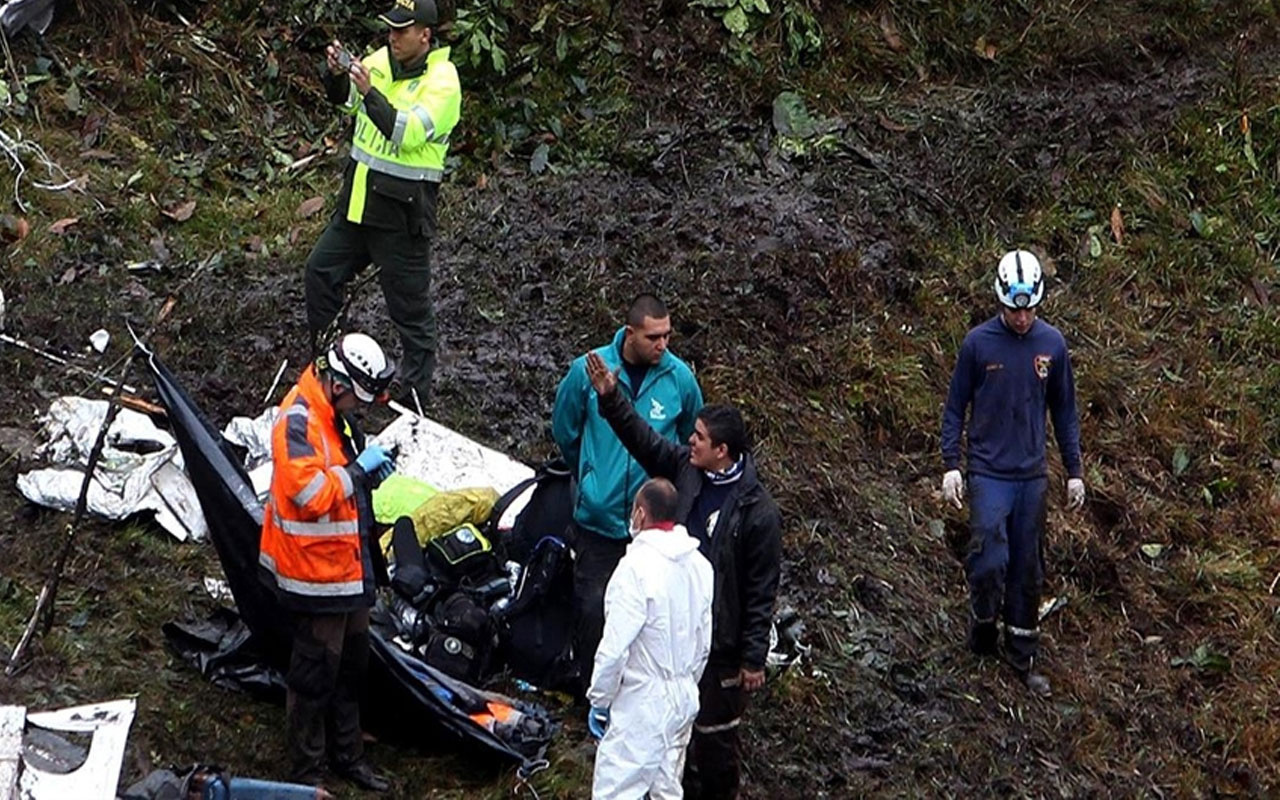 Bolivya'da katliam gibi kaza! Otobüs uçuruma yuvarlandı 21 ölü, 20 yaralı var
