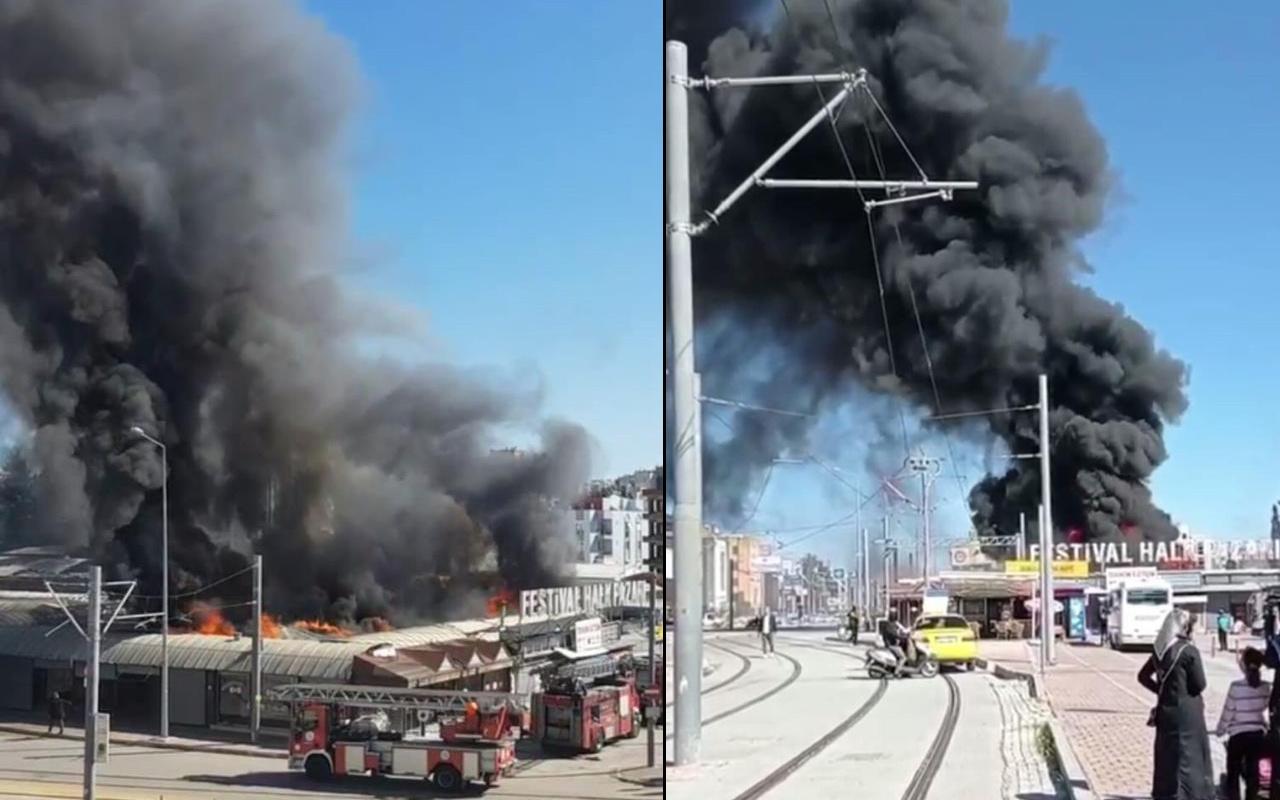 Antalya'da siyah dumanların gökyüzünü kapladı! Bir anda alev alev yandı
