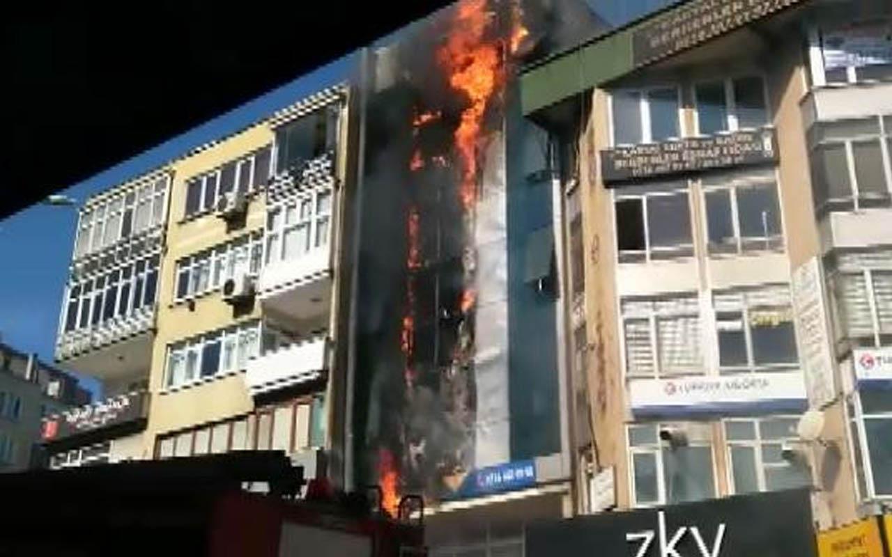 Kartal'da dershanede yangın çıktı! Alevler binanın tamamını sardı