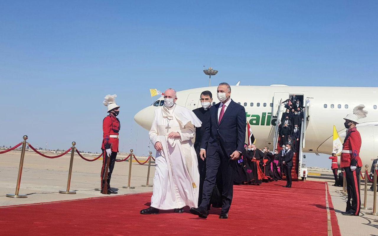 Papa Francis'ten Irak'a tarihi ziyaret