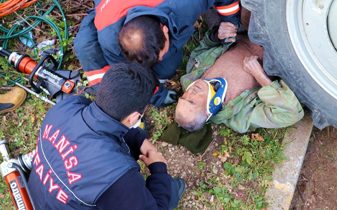 Manisa'da traktörün altında kalan yaşlı adam itfaiye tarafından kurtarıldı