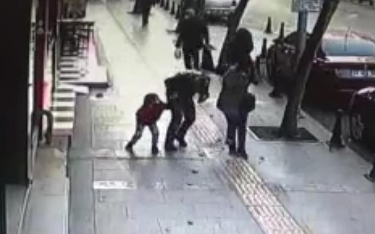 Gaziantep'te yürürken bir anda kafasına düştü! Hayatının şokunu yaşadı