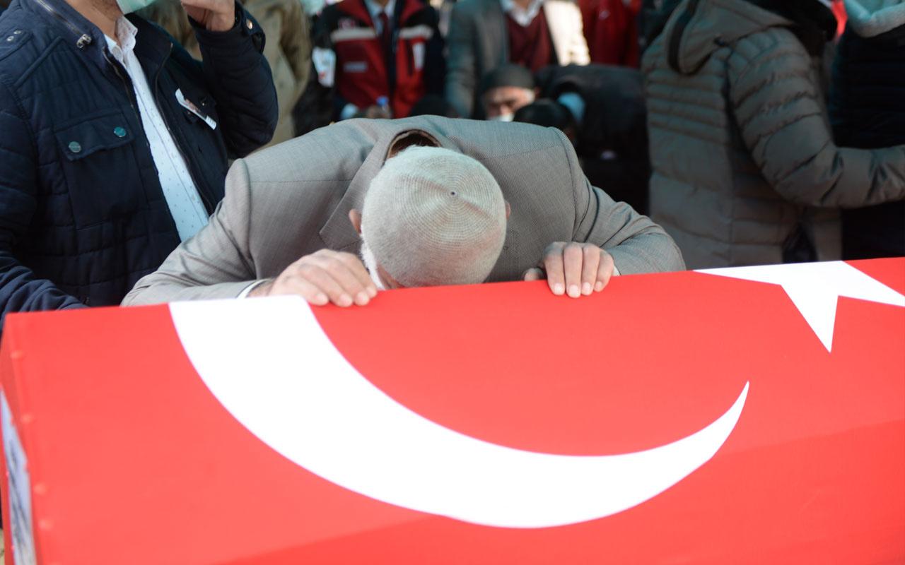 Bitlis şehitlerine son görev! Gözyaşları sel oldu