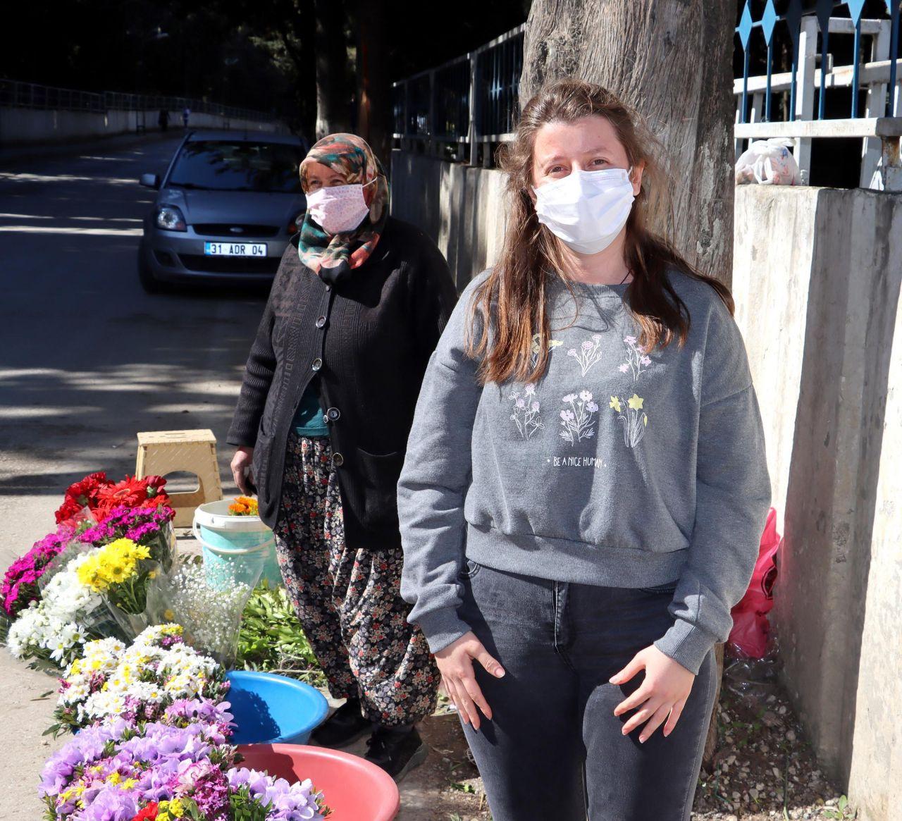 Kızı Oxford'da okuyor sanıyordu! Hatay'da mezarlık çiçekçisi anne yıkıldı