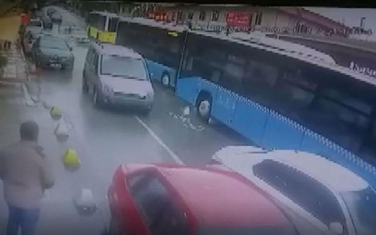 Korku dolu anlar! Beykoz'da özel halk otobüsleri kafa kafaya çarpıştı