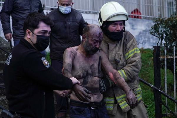 İstanbul Güngören'de dehşet anları! Yürekler ağızlara geldi bu halde kurtardılar...