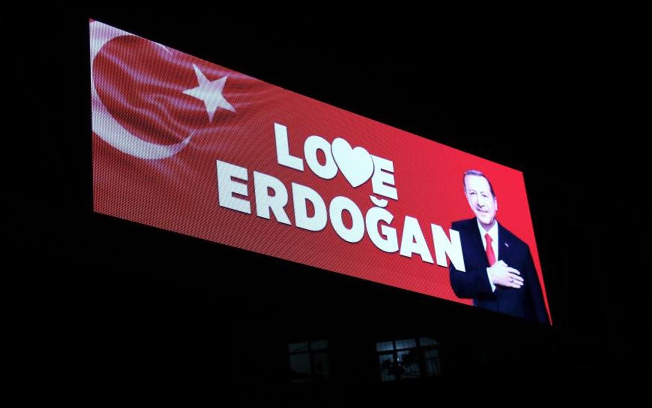 ABD New York'taki 'Stop Erdoğan' skandalına üç ilden 'Love Erdoğan' yanıtı