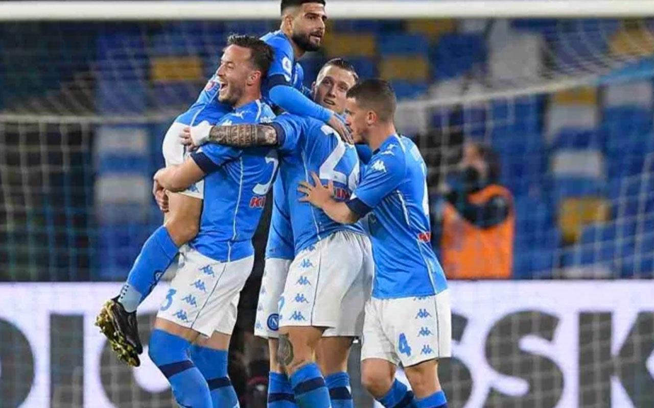 Napoli Bologna'yı güle oynaya yendi