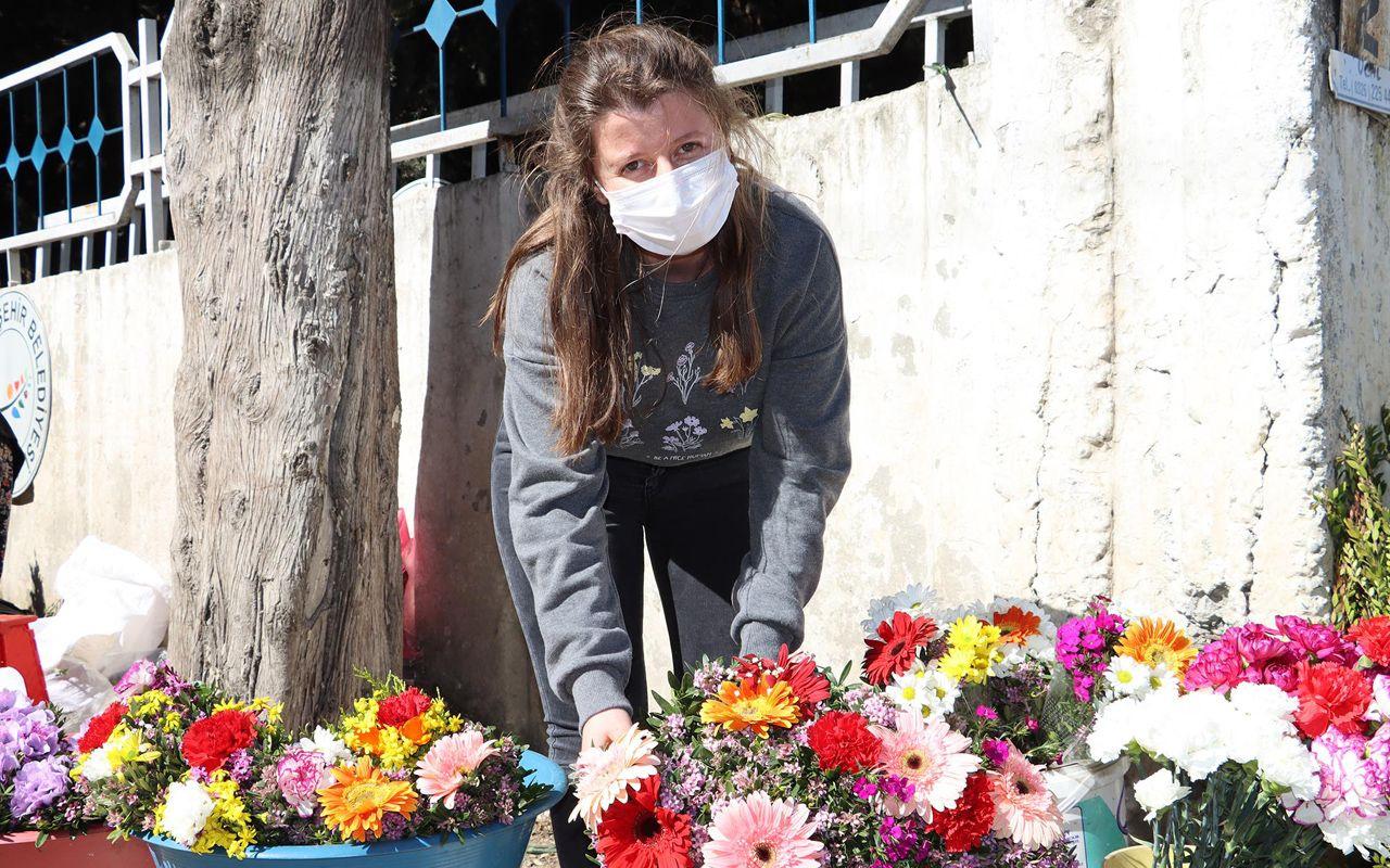 Hatay'da çiçek satan kadına kızından büyük şok! Oxford'da eğitim yalan çıktı