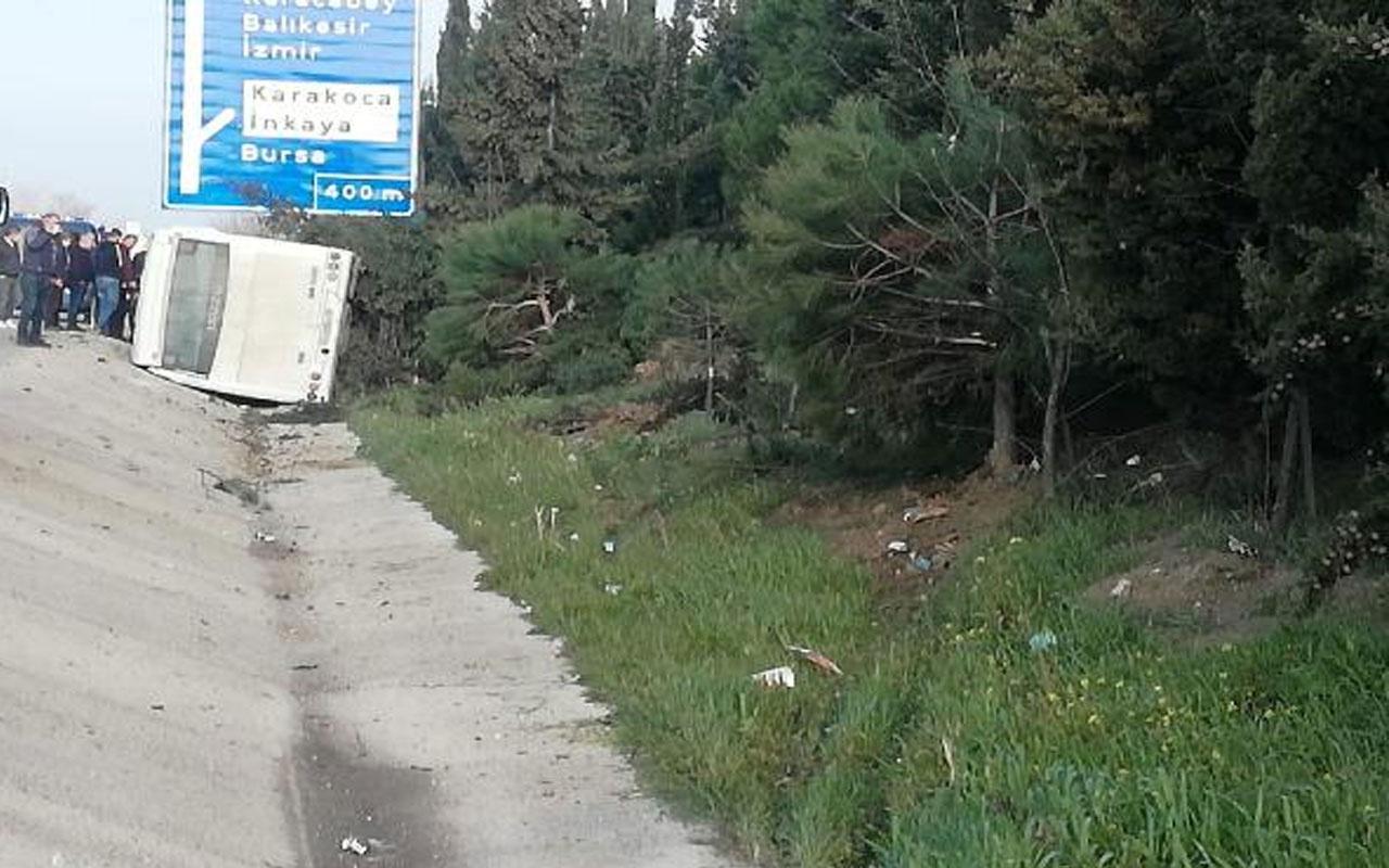 Bursa'da kaza! Lastiği patlayan yolcu otobüsü su kanalına devrildi 18 yaralı var