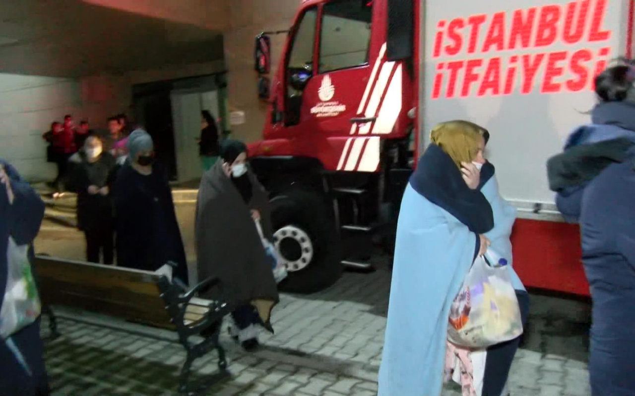 Zeynep Kamil Doğum Hastanesinde yangın! Hastalar tahliye edildi