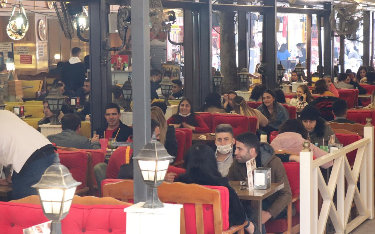 Restoranların dışı 'kırmızı' kaldıkça, içinin rengi fark etmez