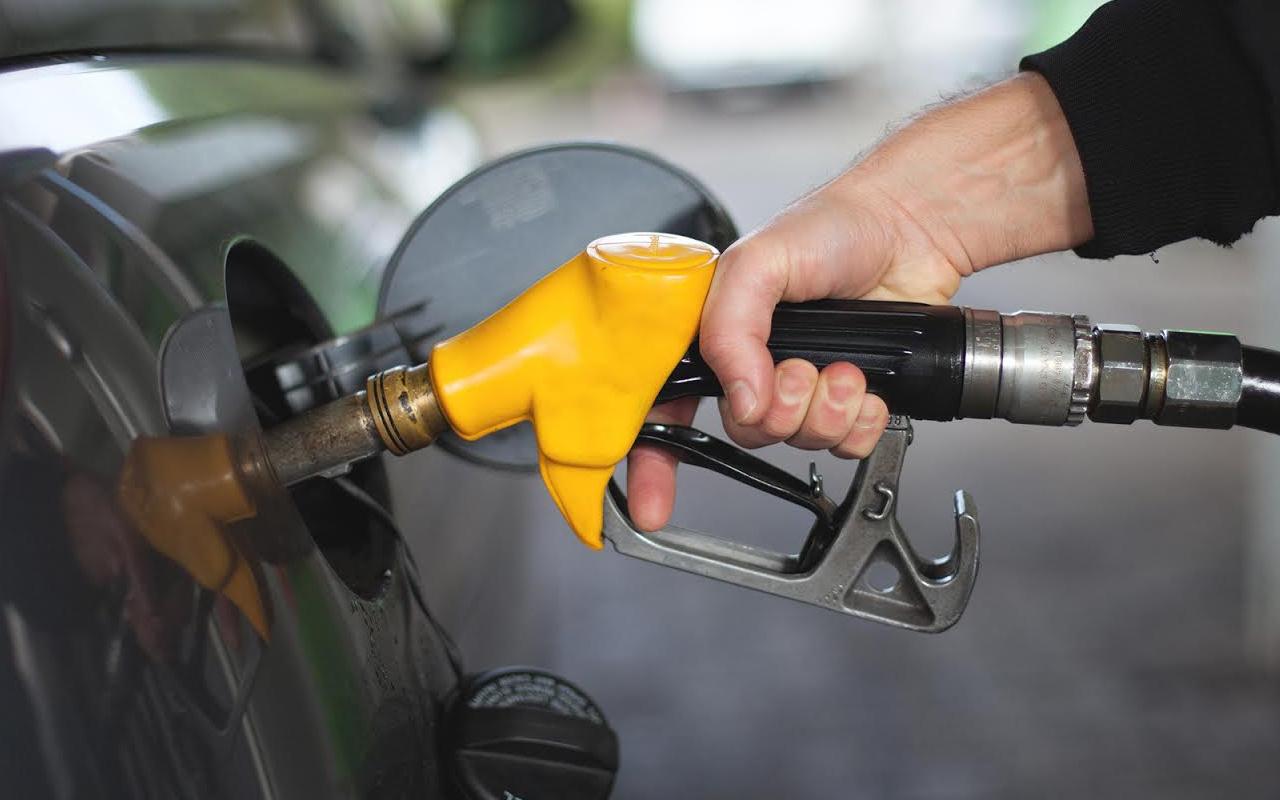 Benzine yeni zam! Pompa fiyatlarına yansımayacak