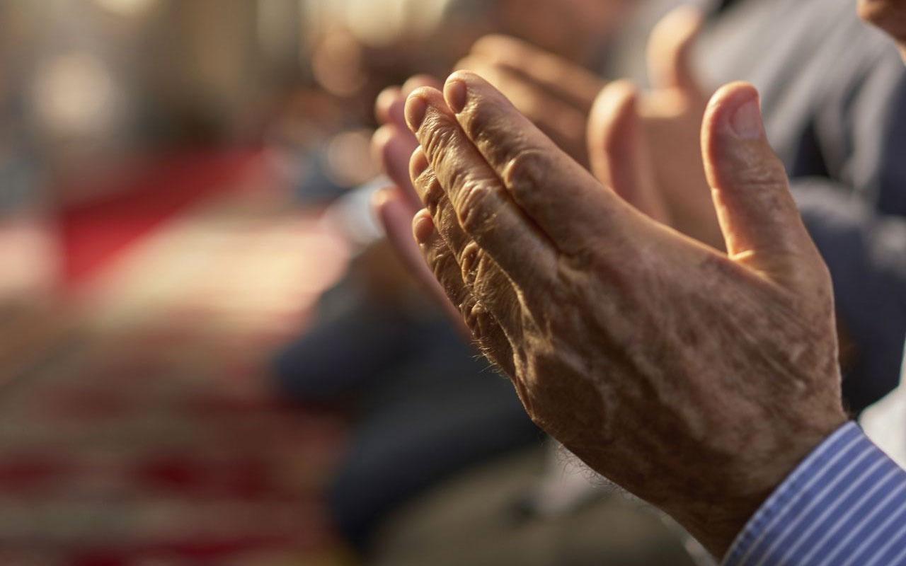 Evde teravih namazı nasıl kılınır Diyanet tek başına teravih kılınır mı?