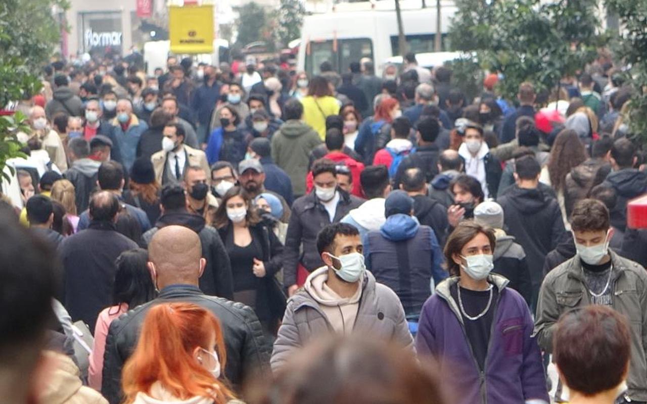 İstiklal Caddesi'nde kalabalık nedeniyle girişler kapatıldı