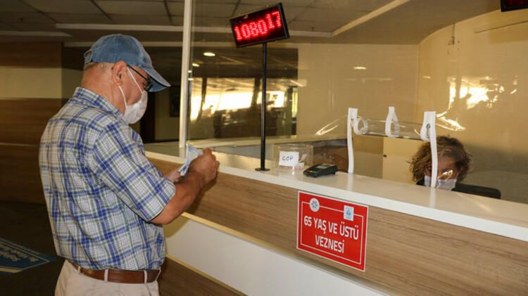 65 yaş üstü emekli maaşı alanlar dikkat! SGK'dan flaş maaş kararı geldi