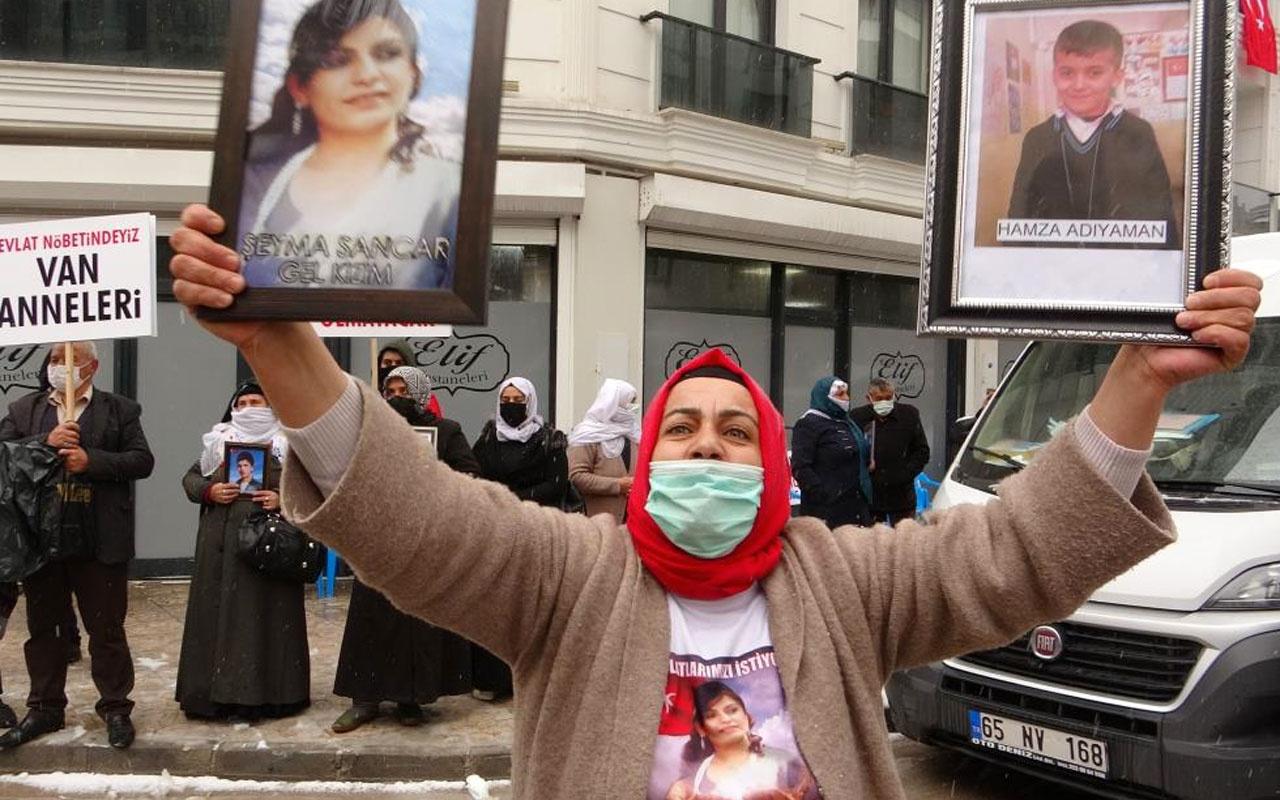 Vanlı anneler evlatları için HDP il binasına yürüdü bunlar Amerika uşaklarıdır