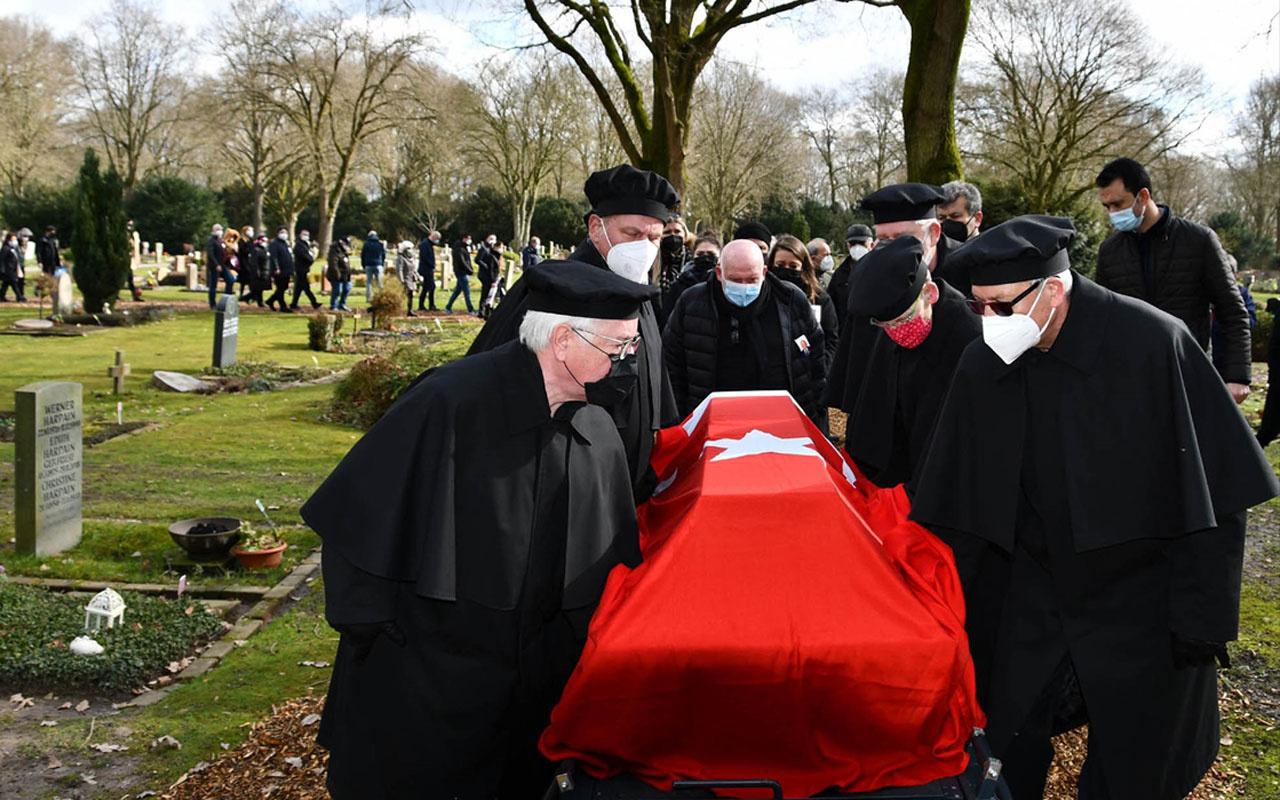 Almanya'da ölen Ermeni asıllı Kore gazisinin son vasiyeti: Ben Türk bayrağıyla gömün