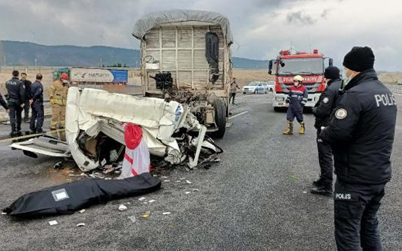 Çatalca Kuzey Marmara Otoyolu'nda feci kaza: Kamyonet sürücüsü öldü
