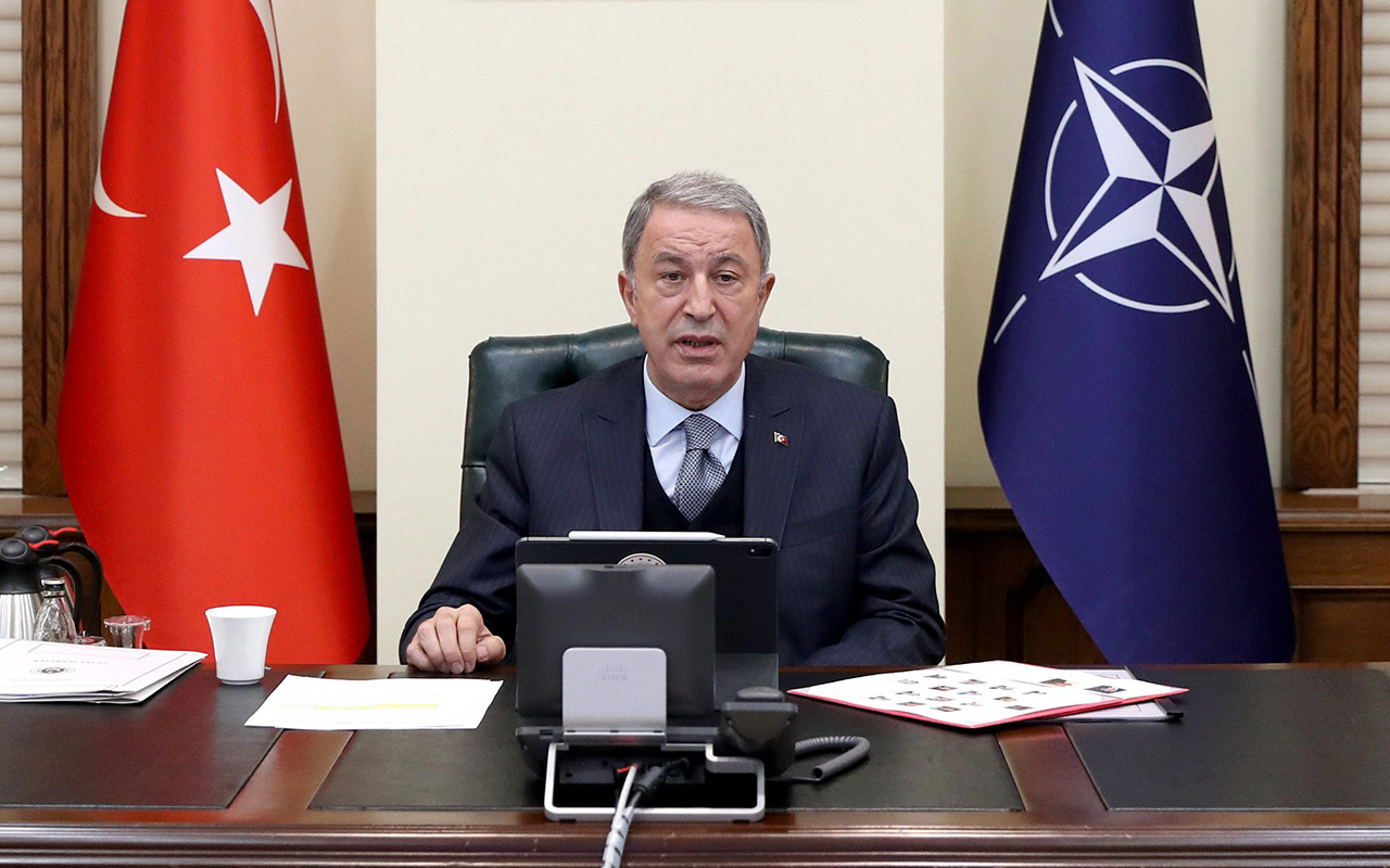 Milli Savunma Bakanı Hulusi Akar: Hainlere asla izin vermeyeceğiz