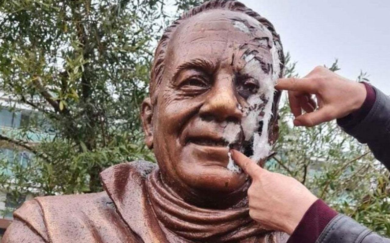 İzmir Buca'da yazar Bekir Coşkun'un heykeline saldırı