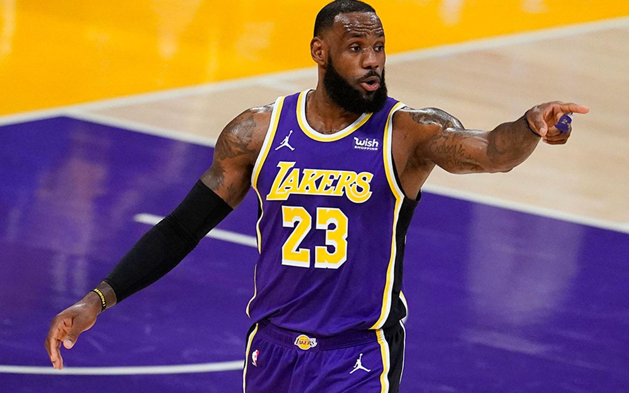 Lakers, LeBron James'in etkili oyunuyla kazandı
