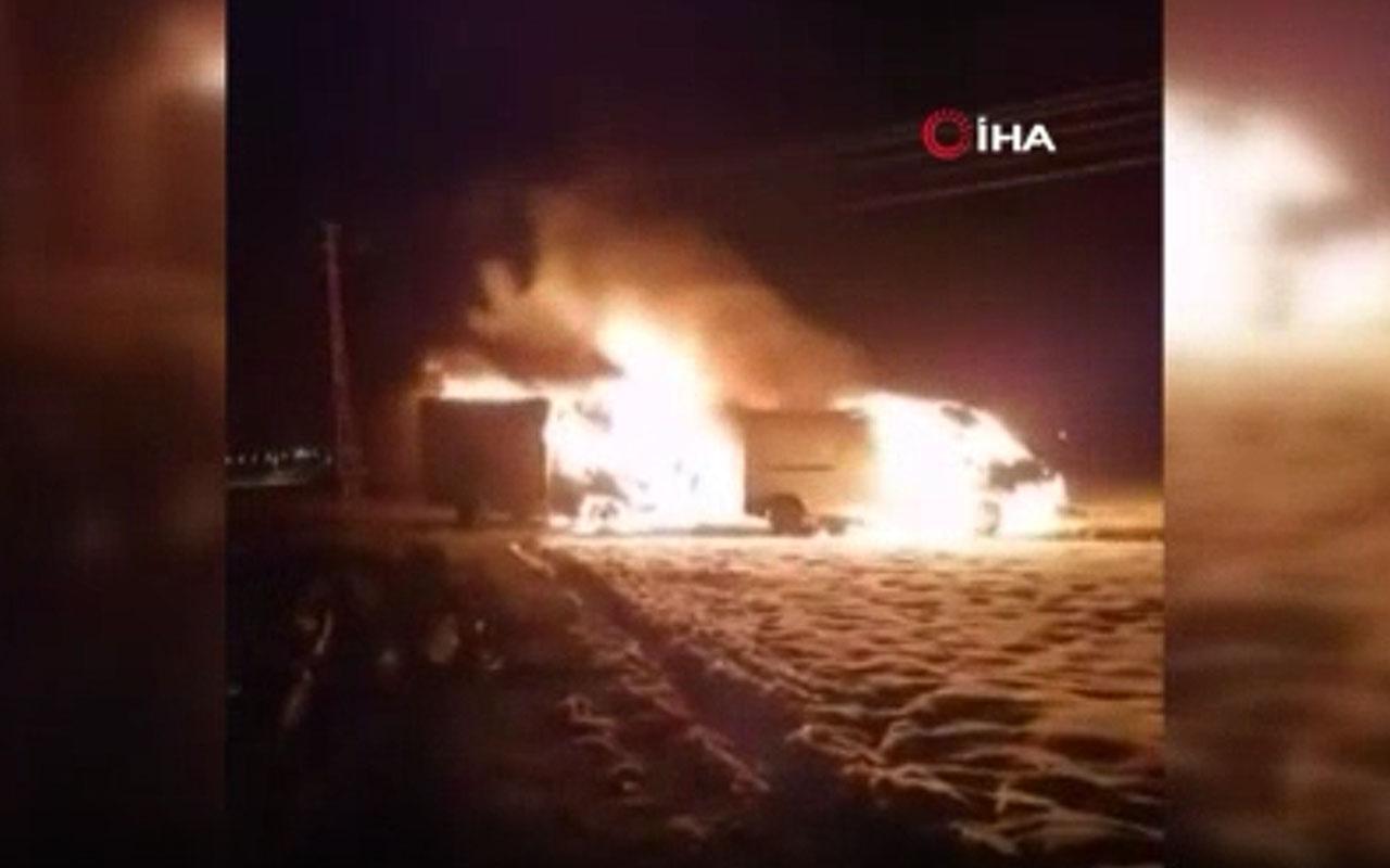 Ağrı'da terör örgütü PKK sempatizanları, AK Partili vatandaşların araçlarını yaktı
