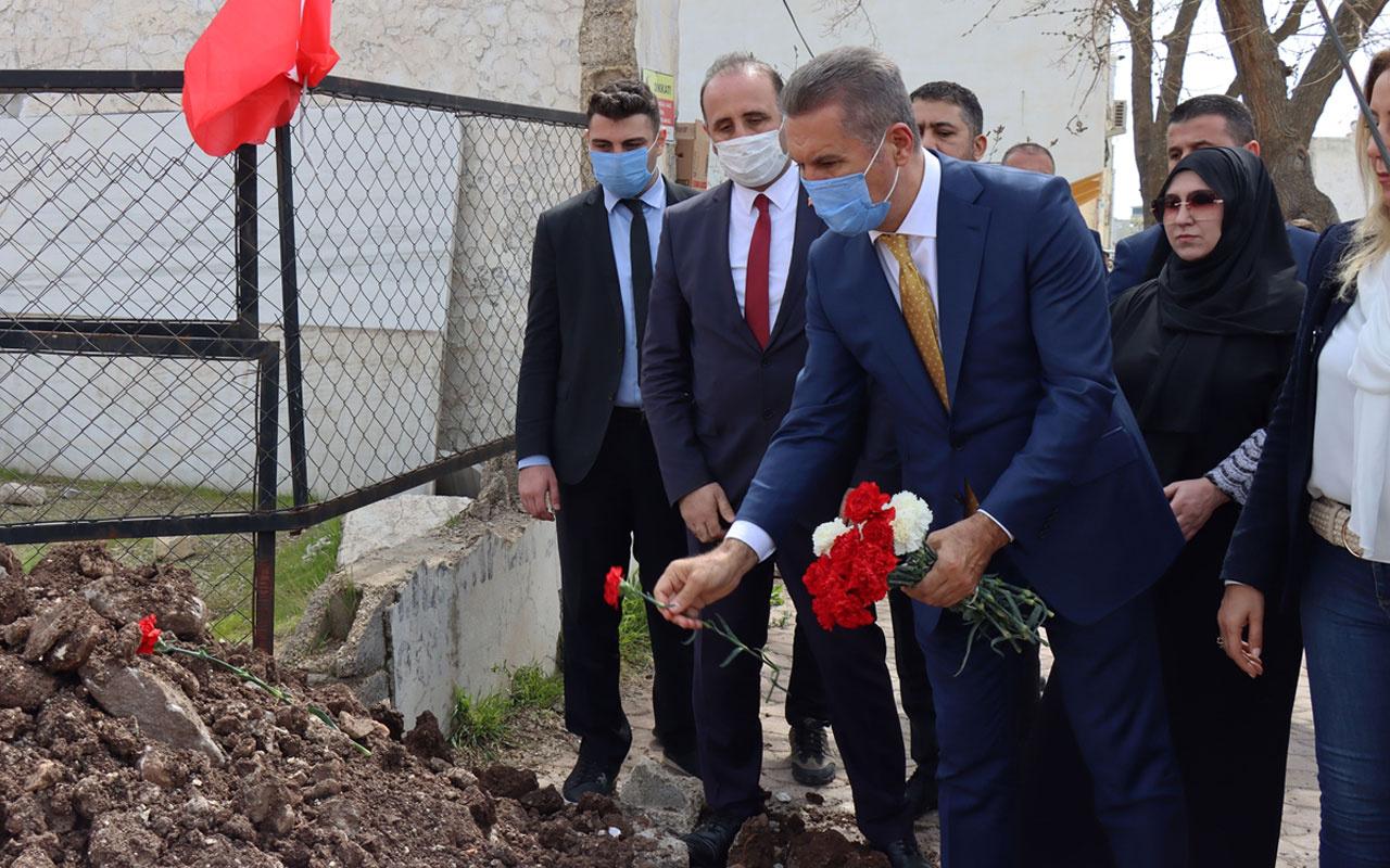 TDP Genel Başkanı Mustafa Sarıgül Kilis'te roket düşen alana karanfil bıraktı
