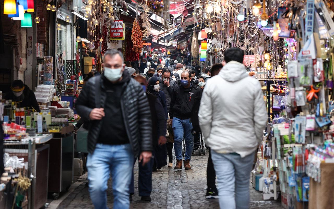 Burası İstanbul'un göbeği Tahtakale! Gündüz onbinlerce kişi gece sadece 15 kişi yaşıyor