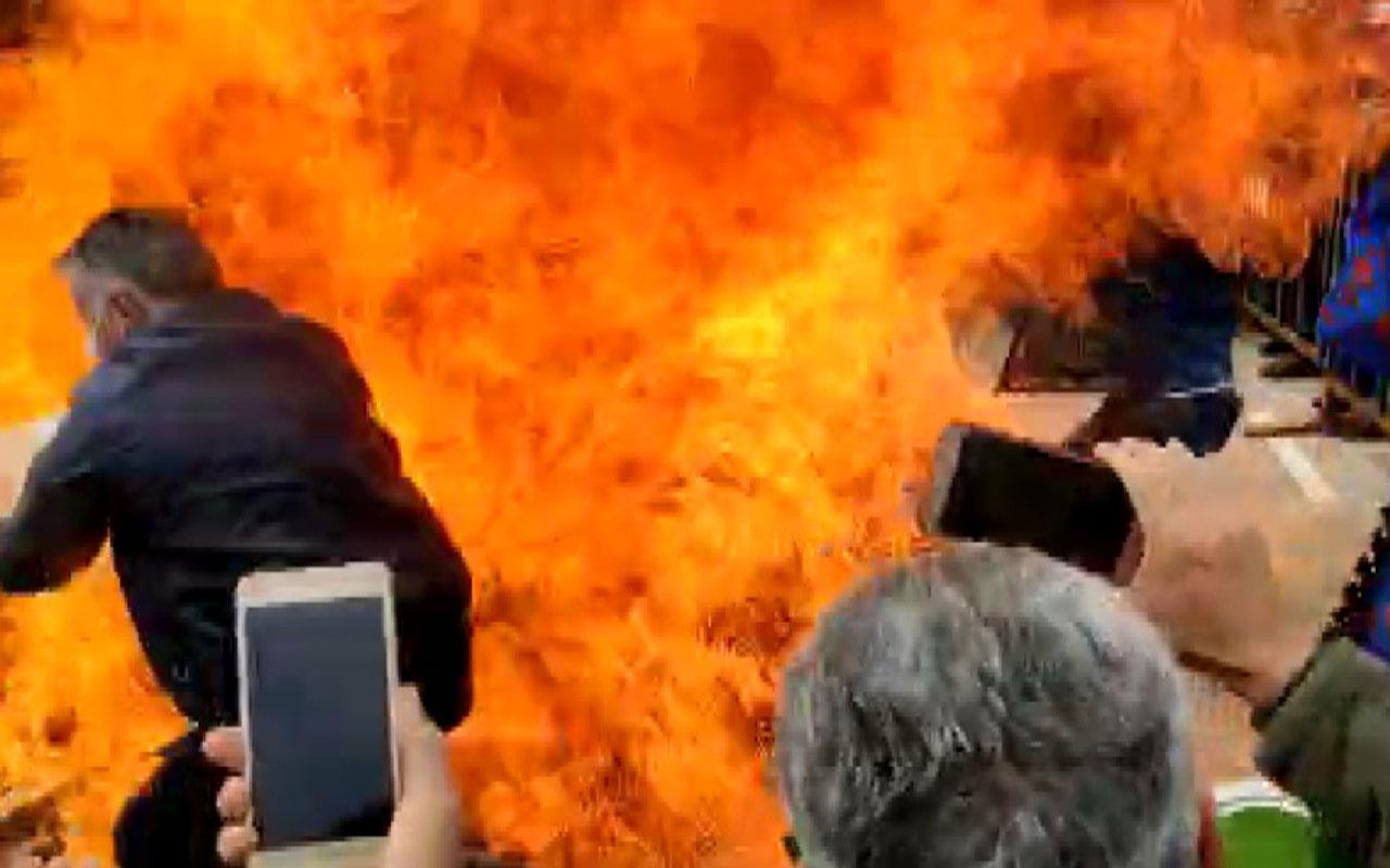 Van'daki Nevruz'da korku dolu an! Bir anda alev aldı iki kişi yanmaktan son anda kurtuldu