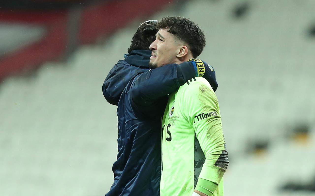 Fenerbahçe kalecisi Altay Bayındır maç sonu gözyaşlarını tutamadı