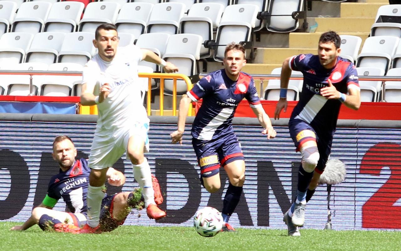 BB Erzurumspor'u mağlup eden Antalyaspor 8 maç sonra kazandı