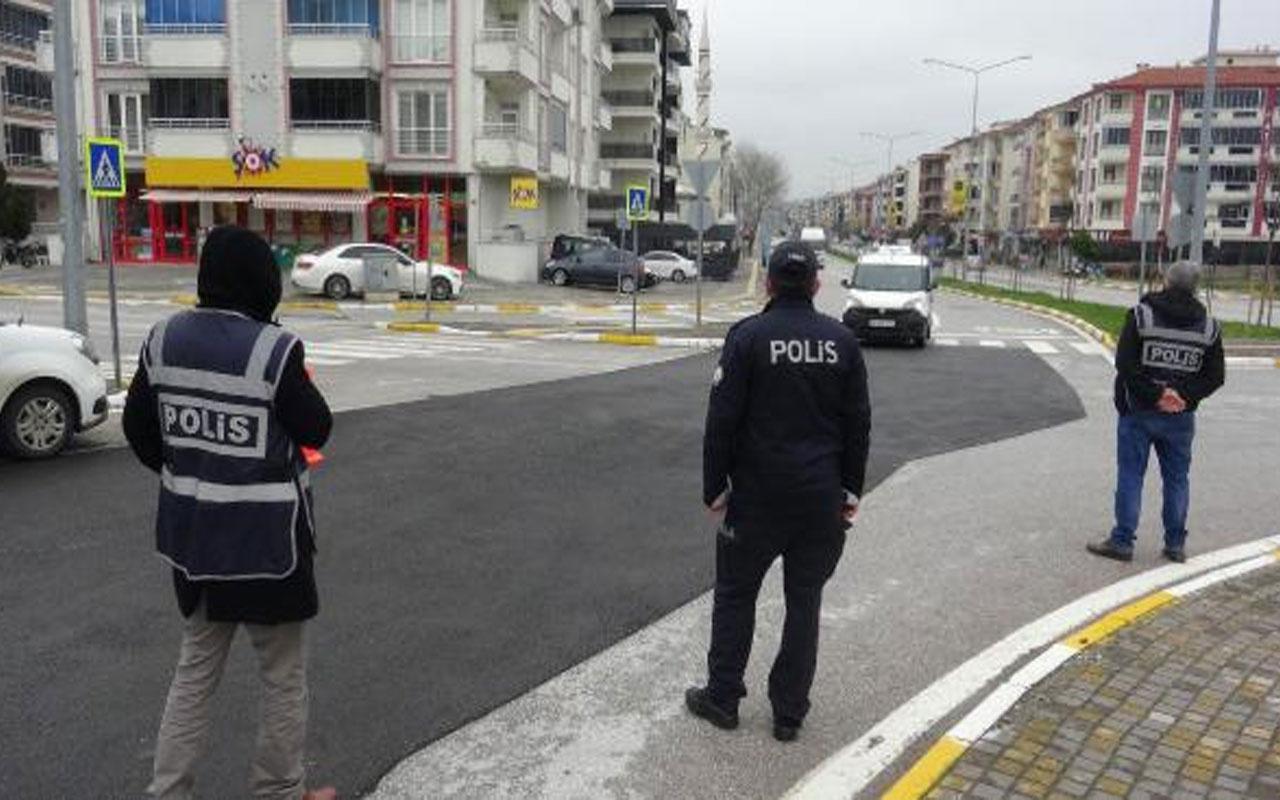 Balıkesir'de yeni koronavirüs tedbiri! Ev ziyaretleri yasaklandı market otoparkları kapatıldı