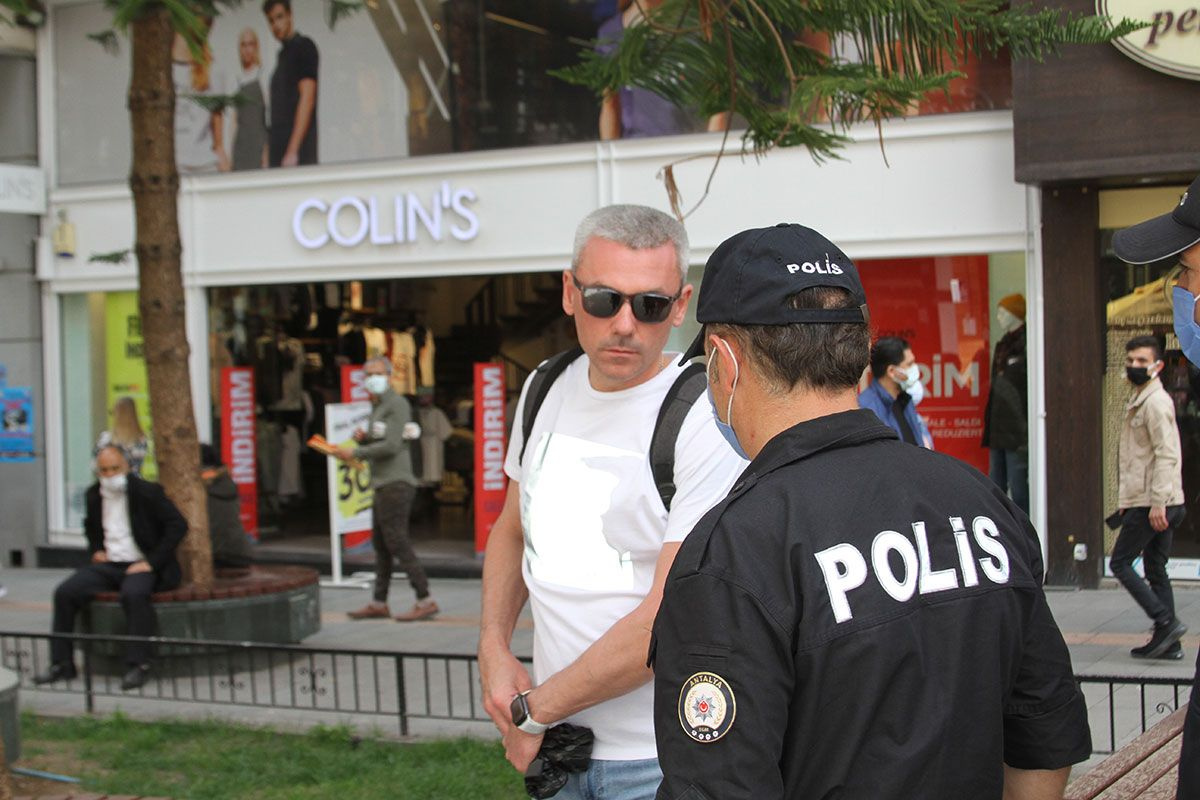 'Canım sıkıldı dışarı çıktım Kırmızıya dönsün Antalya'! Bu korona kolay kolay bitmez