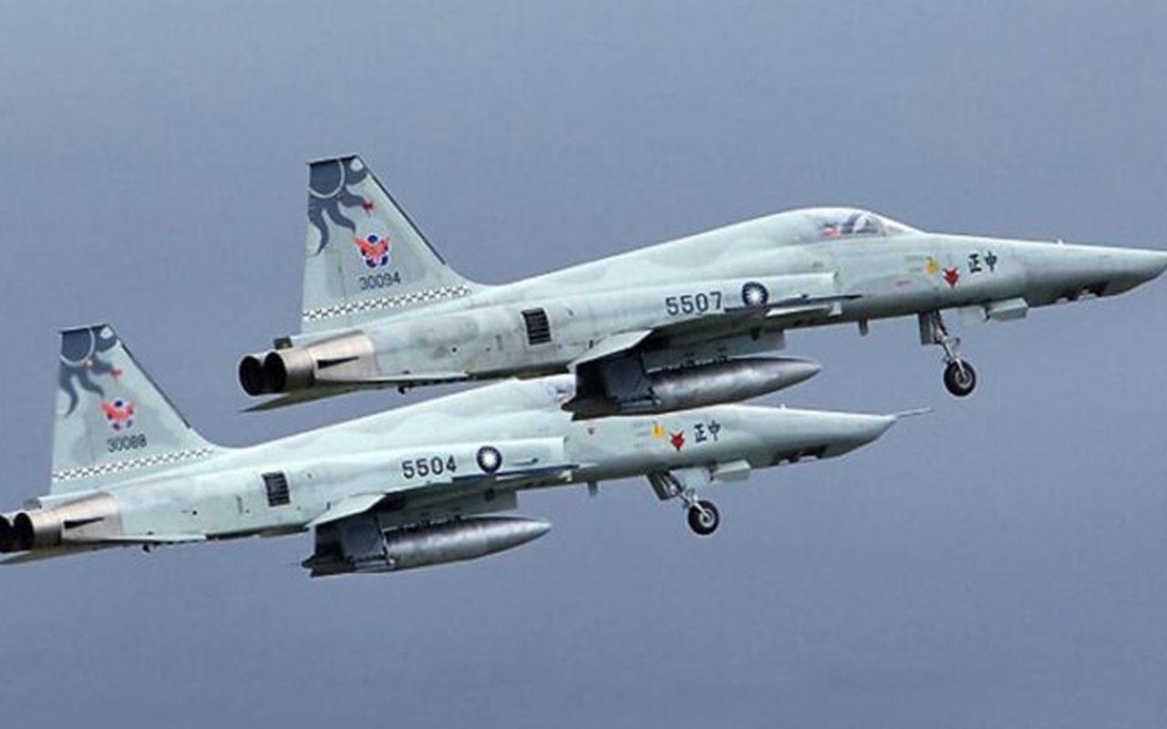 Tayvan'da iki F-5E çarpıştı