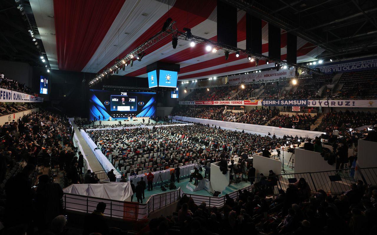 AK Parti 7. Olağan Kongresi başladı! Salonda heyecan ve birbirinden renkli sahneler var
