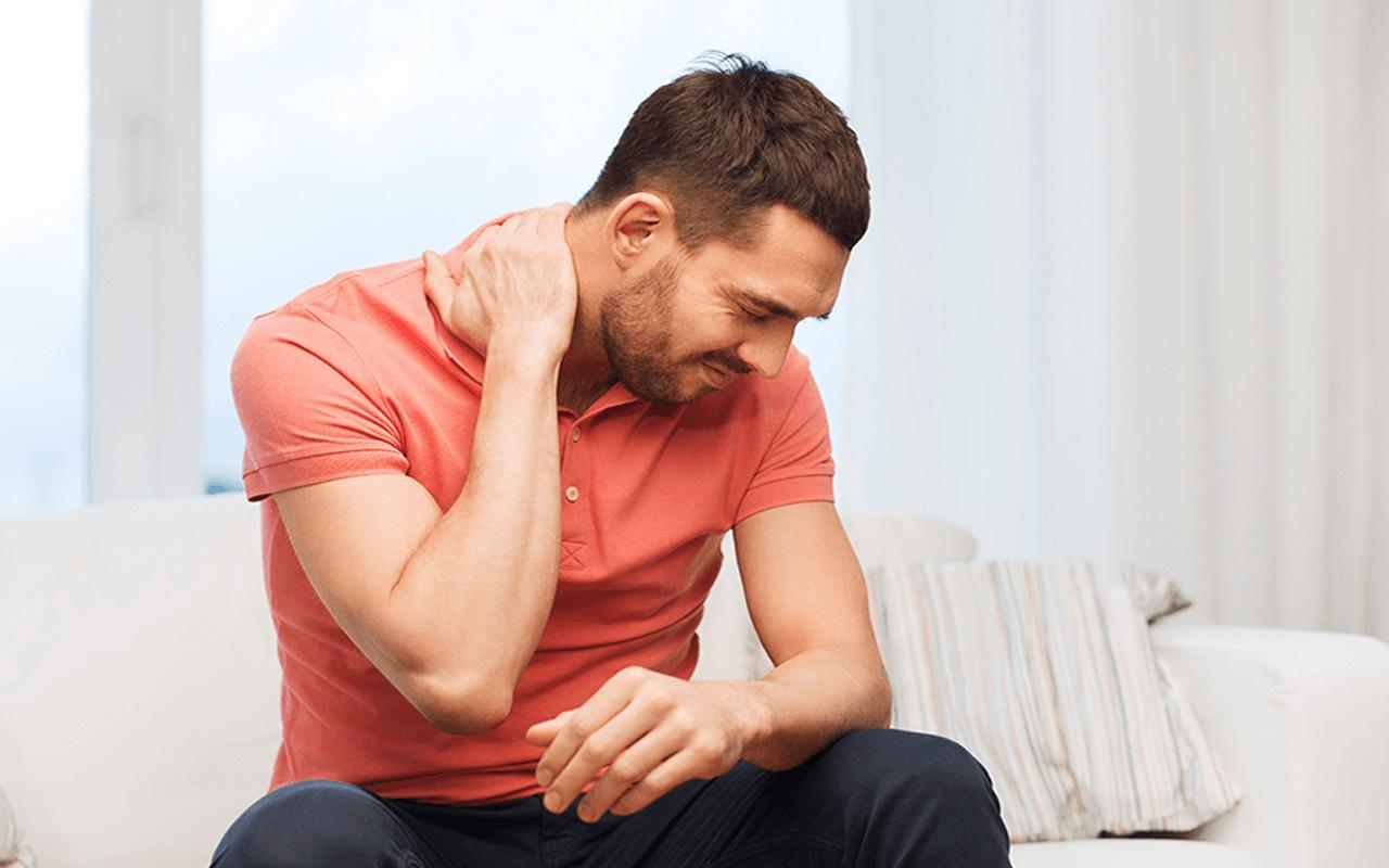 Boyun ağrısı neden olur evde nasıl geçer duruş bozukluklarına dikkat!